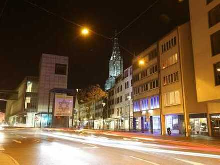 Lukrative Gewerbeeinheit in Ulms City ! (Bieterverfahren)