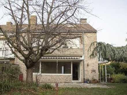 Großzügiges Einfamilienhaus in Neuss-Uedesheim - in direkter Umgebung von Düsseldorf