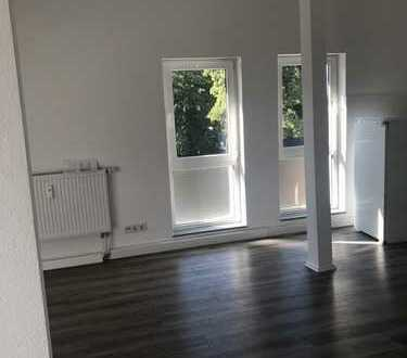 Charmante bezugsfertige Dachgeschoss Wohnung mit offener Wohnküche