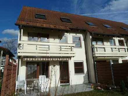 Schickes Reiheneckhaus m. ELW, Balkon, Dachterrasse, Gartenterrasse u. Garten in erstklassiger Lage