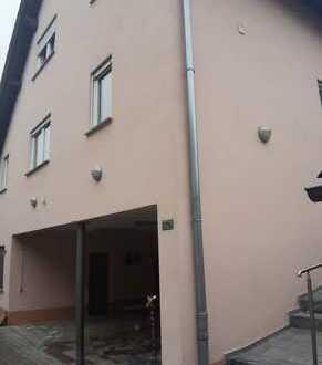 Gepflegte 2-Zimmer-Erdgeschosswohnung mit Balkon und EBK in Alzey-Weinheim