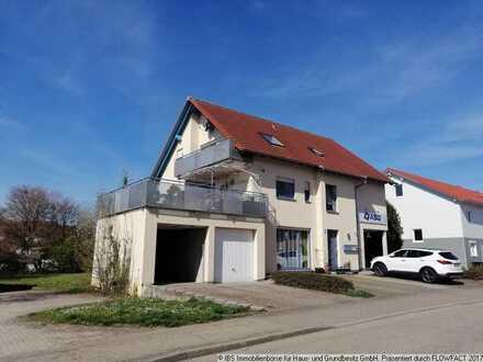 Sehr schöne, gepflegte 4-Zimmer-Wohnung mit Garage, Stellplatz und traumhafter Dachterrasse