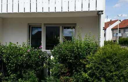 Verkehrsgünstige 3-Zimmer-EG-Wohnung mit Südbalkon, Garage und großem Garten