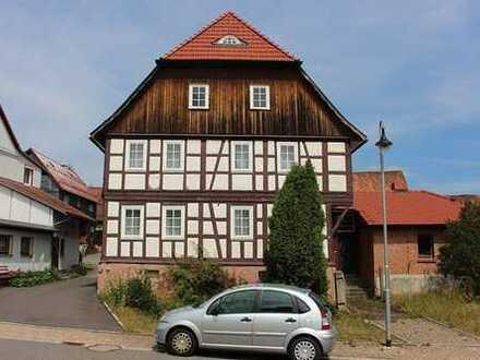 Schleusingen, 1-2 Fam.Hs. + Nebengeb. + Scheune