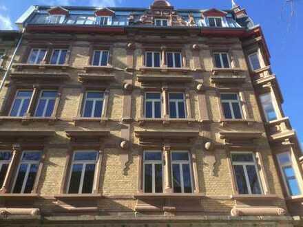 Schöne 3-ZKB mit Balkon (Baudenkmal mit städtebaulicher Bedeutung)