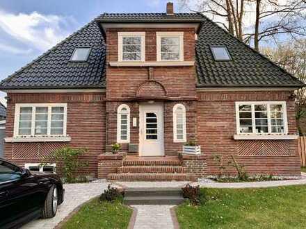 Von Privat: Stillvolle Rotklinker-Villa in Hamburg, Marienthal
