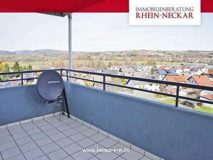 *** Frisch renovierte 2 ZKB Wohnung mit NOLTE EBK, Balkon und Stellplatz ***