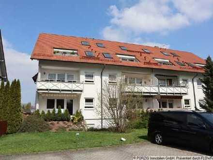 +++ großer sonniger Balkon + Stellplatz +++