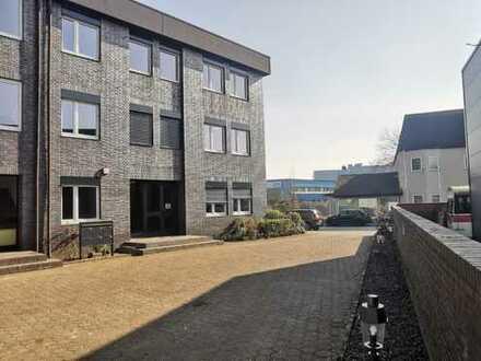 Modernisierte Büroflächen und ausreichend Stellplätze im Duisburger Süden
