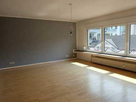 Gut geschnittene 4-Zimmerwohnung mit Balkon Nähe Schokoladenmuseum