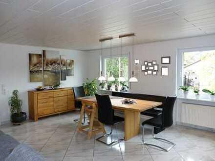 Barrierefreie, 140qm große Wohnung mit Gartenanteil und Garage!