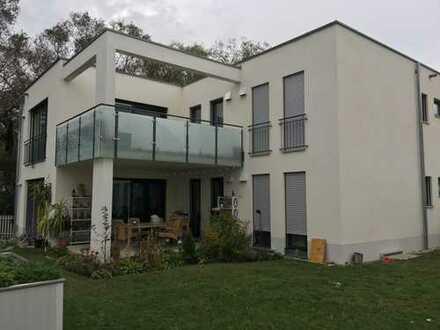 Ruhig leben in Manching - Es muss nicht immer Ingolstadt sein... OG-Wohnung in Zweifamilienhaus