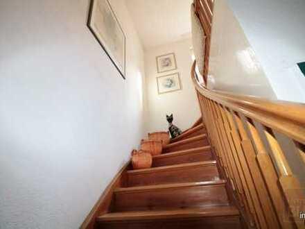 !! VIEEEEEL PLATZ !! POTENTIAL ZU ca. 330QM !! Haus zum Verlieben und Platz zum Vermieten !