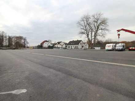 6.000 m² Freifläche für Ihre Fahrzeuge!