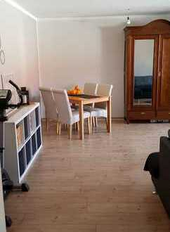 Neuwertige 2-Zimmer-Wohnung mit Balkon und Einbauküche in Speyer
