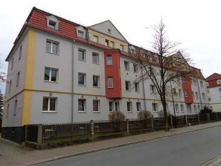 Schöne helle 3-Zimmerwohnung im 1. Obergeschoss mit attraktiver Wohnküche.