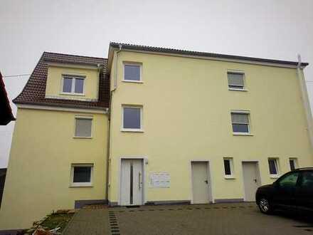 kernsanierte 2,5-Zimmer Maisonettewohnung im DG links (WE6) mit Balkon u. Stellplatz in Oppenweiler