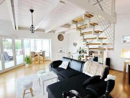 Moderne Maisonette-Penthouse-Wohnung mit Bergsicht