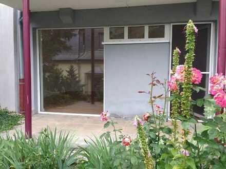 Klein und gemütlich - 1 Raum Hochparterre Wohnung mit Balkon