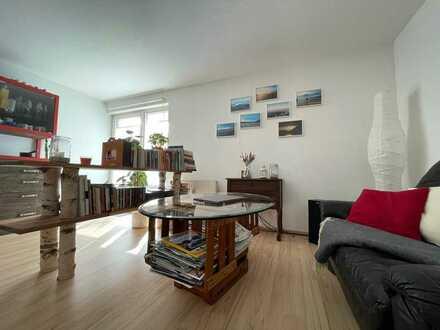 Mit Terrasse / Garten - Schöne drei Zimmer Wohnung in Eggenstein - Einbauküche