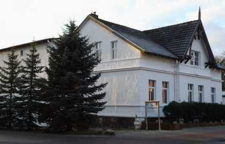 Villa aus dem zwanzigsten Jahrhundert mit viel Platz, Stil und Charme!
