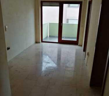 3-Zimmer-Wohnung mit 2 Balkonen in Zirndorf / wird gerade renoviert