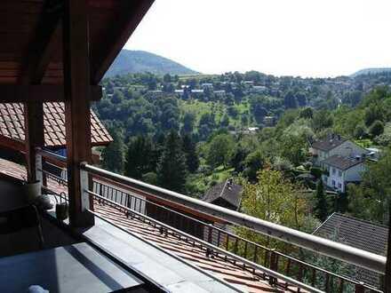 Gepflegte 3-Zimmer-DG-Wohnung mit Balkon und EBK in Heidelberg