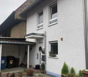 Moderne, lichtdurchflutete Doppelhaushälfte in Stutensee-Friedrichstal