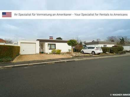 Cosy, little bungalow, with private garden and parking