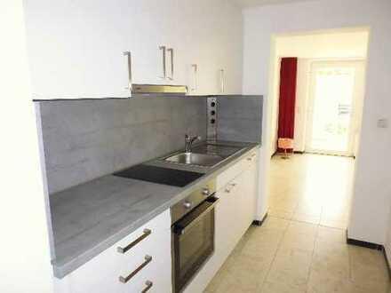 Helle 2-Zimmer-Wohnung mit Terrasse, bestens renoviert, in ruhiger Lage von Ötisheim