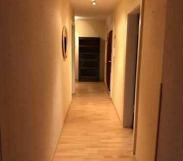 Preiswerte, gepflegte 4-Zimmer-DG-Wohnung zur Miete in Koblenz