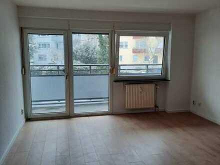 Renovierte 3 Zimmerwohnung mit großem Balkon in KL-WEST