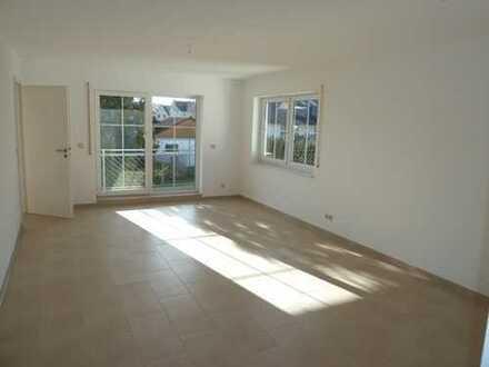 Nette 2 Zimmer Wohnung mit Balkon und Einzelgarage