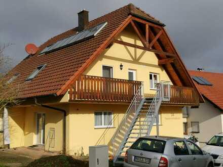 Schöne, geräumige drei Zimmer Wohnung in Neckar-Odenwald-Kreis, Schefflenz
