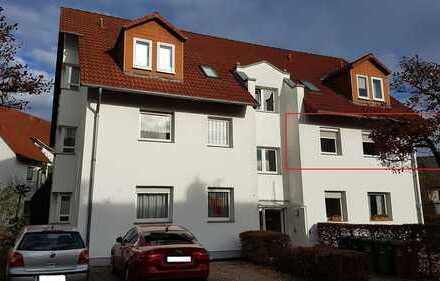 sehr gepflegte 3 ZKB Wohnung mit Balkon, moderner EBK und KFZ Stellplatz