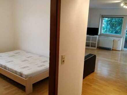 Stilvolle, gepflegte 2-Zimmer-EG-Wohnung mit Balkon und EBK in Tiefenbronn