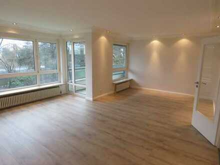 Erstbezug nach Sanierung mit Einbauküche und Balkon: ansprechende 3,5-Zimmer-EG-Wohnung in Kettwig