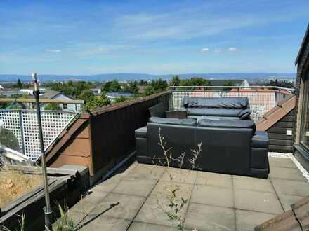 Aussicht über ganz Mainz: 2-Raum-Wohnung mit großer Dachterrasse und EBK auf der Frankenhöhe