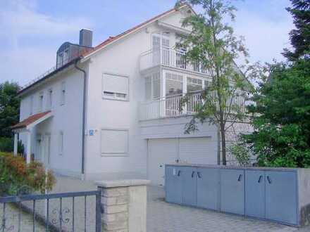 Luxuriöse vier Zimmer Wohnung in München, Moosach