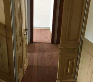 1.300 €, 80 m², 3 Zimmer