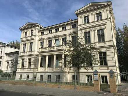 Charmanter Altbau 3-ZKDB mit Balkon und EBK nahe Neuer Garten