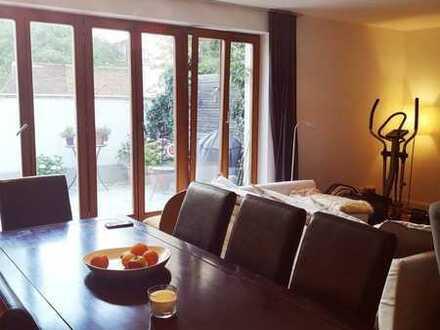 Preiswerte, geräumige und neuwertige 3-Zimmer-Terrassenwohnung mit Balkon und Einbauküche in Worms