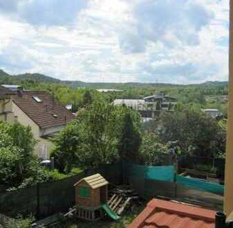 Sonnig & Zentral! Renov. 3 ZKB-Whg mit Balkon & Fernblick!