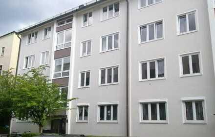 Freundliche Dachgeschosswohnung am Hirschgarten mit Dachterrasse - modernisiert!