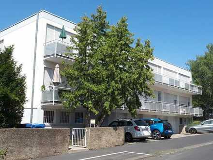 Helles, geräumiges Einzimmer-Apartment mit Balkon in Würzburg, Frauenland