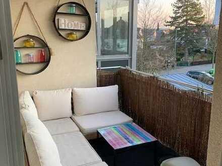 Exklusive, neuwertige 3-Zimmer-Wohnung mit Balkon und EBK in Neuried