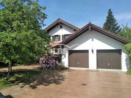 Herrschaftliche Villa in Traumlage von Schwarzenfeld - Das Besondere!