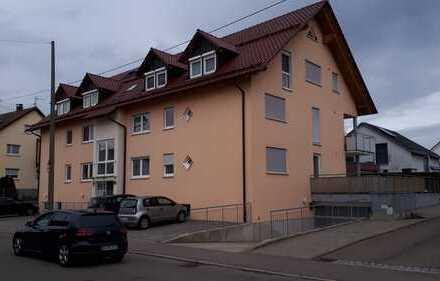 Neuwertige Wohnung mit vier Zimmern sowie Balkon und EBK in Schwäbisch Gmünd-Straßdorf