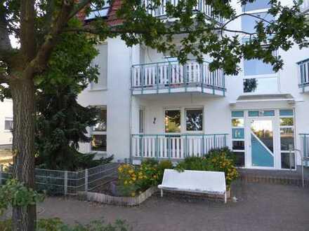 +Sofort BEZUGSFREI+ Sonnige 3-Zimmer-Hochparterre-Whg. mit Balkon & Terrasse