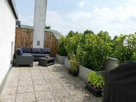 Exklusive, neuwertige 4-Zimmer-Maisonette-Wohnung mit großer Dachterrasse und EBK in Ingolstadt